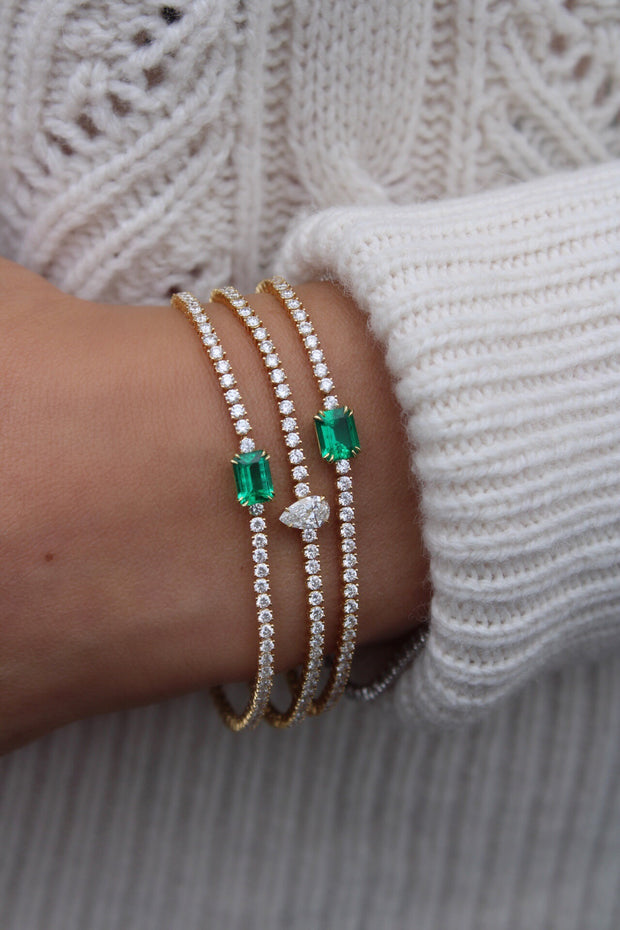 DIAMOND HEPBURN BRACELET WITH EMERALD CENTER