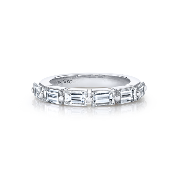 FLOATING BAGUETTE DIAMOND RING