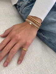 CUBAN LINK BRACELET WITH BAGUETTE DIAMOND CENTER .45