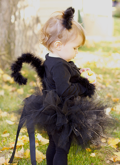 15 adorable diy kids halloween costumes dropps find the tutorial at do it yourself divas solutioingenieria Images