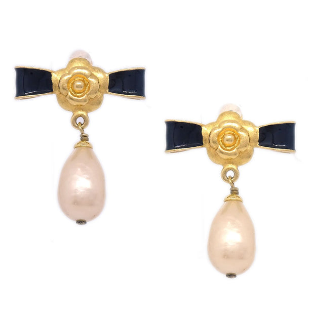 CHANEL Camellia Bow Charm Imitation Pearl Shaking Earrings Clip-On 93A