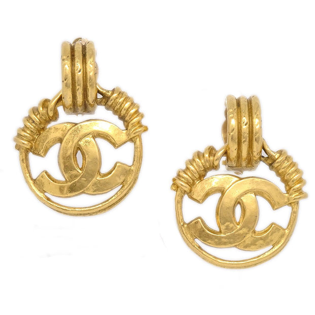 CHANEL Medallion Shaking Earrings Clip-On Gold 94P