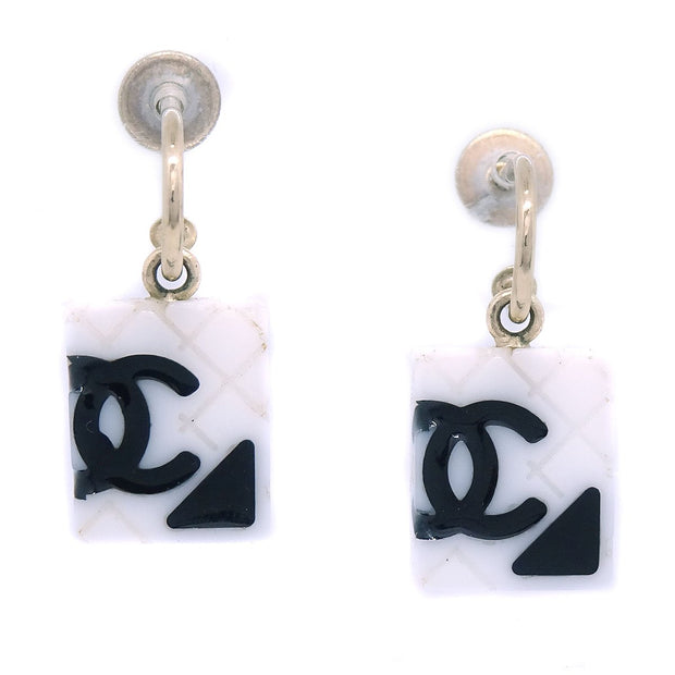 CHANEL Cambon Line Shaking Piercing White 05C