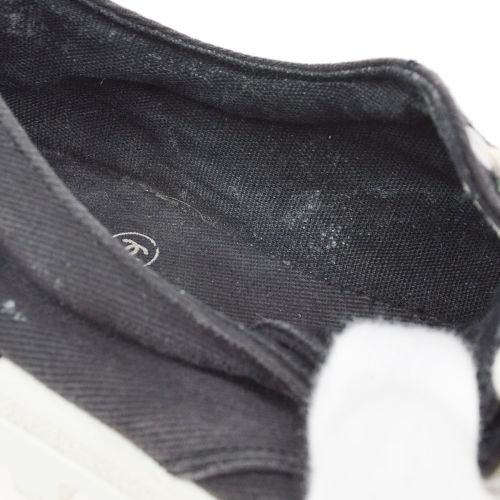 CHANEL CC Logos Sneakers Bi-color #36