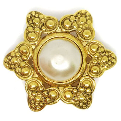 CHANEL Imitation Pearl Brooch Gold