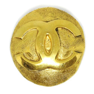 CHANEL CC Logos Brooch Gold