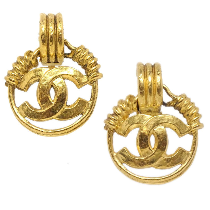 CHANEL CC Logos Shaking Earrings Clip-On Gold 94P