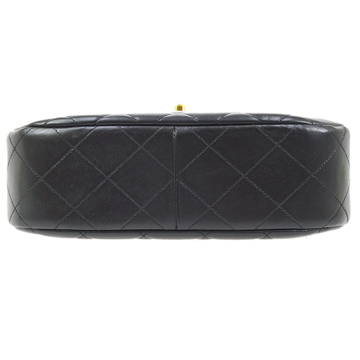 CHANEL Quilted CC Chain Hand Bag Black