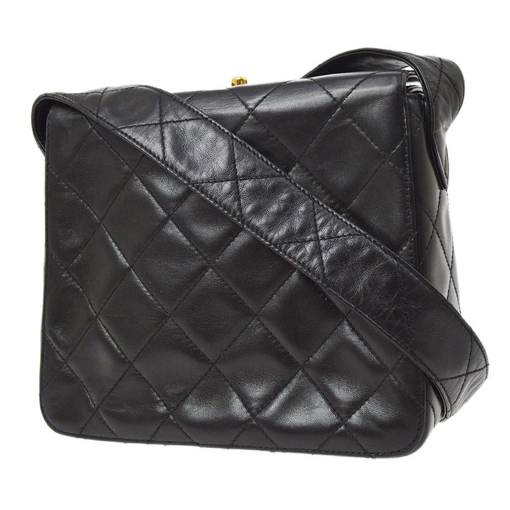 CHANEL Shoulder Bag Black