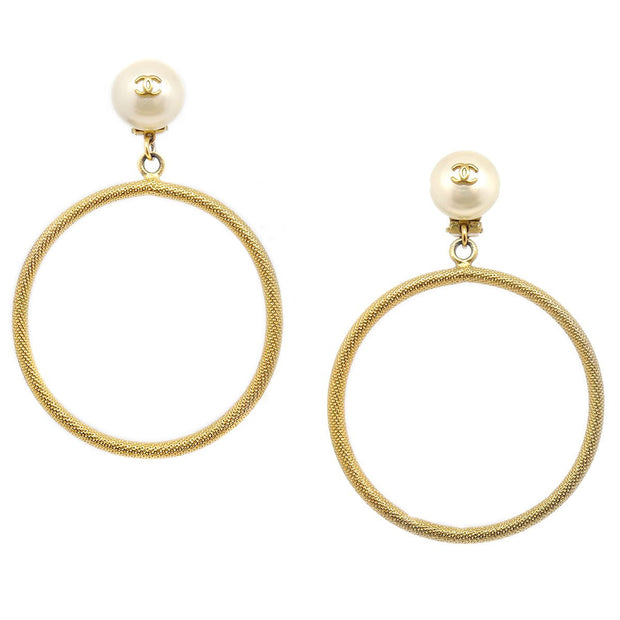 CHANEL Imitation Pearl Hoop Shaking Earrings Gold Clip-On 97P