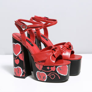 DOLLY RED HEARTS