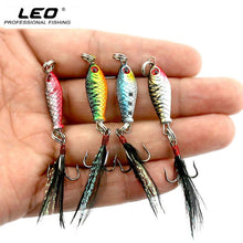 Load image into Gallery viewer, LEO Mini Metal Fishing Lure with Feather Lifelike 3D Eye Artificial Fish Hard Bait 2.5cm 6.4g LB003