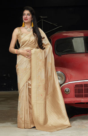Cream Jacquard Woven Banarasi Silk Saree - Daleyza Collections