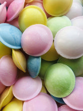 Laden Sie das Bild in den Galerie-Viewer, Vegan flying saucers - Simply Vegan Sweets