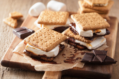 Graham Crackers, Top Ten Foods to Pair with Your Ice Cream Sundae
