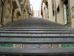 Italian pottery - The 142 steps of the staircase of Santa Maria del Monte