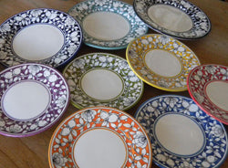 Handmade Italian pottery - A lovely dinnerware collection hand-painted in Deruta