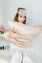Load image into Gallery viewer, Natural silk pillowcase Cappuccino Beige