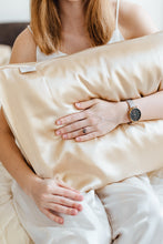 Load image into Gallery viewer, Set of 2 Natural silk pillowcases Cappuccino Beige