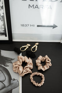 Natural silk scrunchie Porcelain Sand
