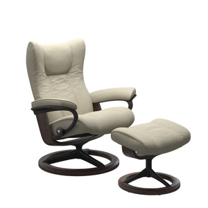 Stressless® Wing (L) Signature chair with footstool