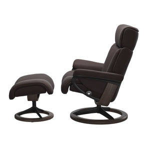 Stressless® Magic (M) Signature chair with footstool