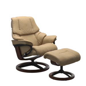 Stressless® Reno (M) Signature chair with footstool