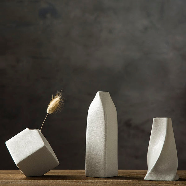Minimalist Distored Vases