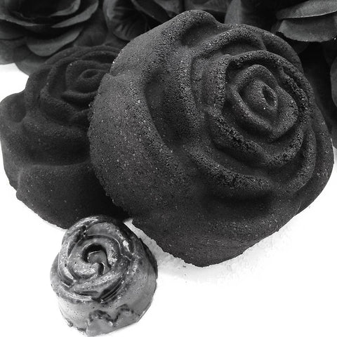 Black Rose Salt Bomb