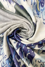Load image into Gallery viewer, Hokusai's Great Wave Frayed Scarf