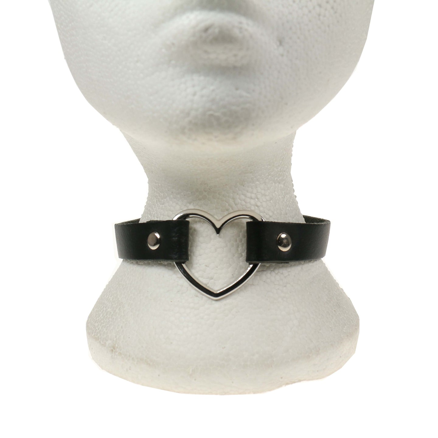 1 Row Heart Leather Choker/Neckband - Black