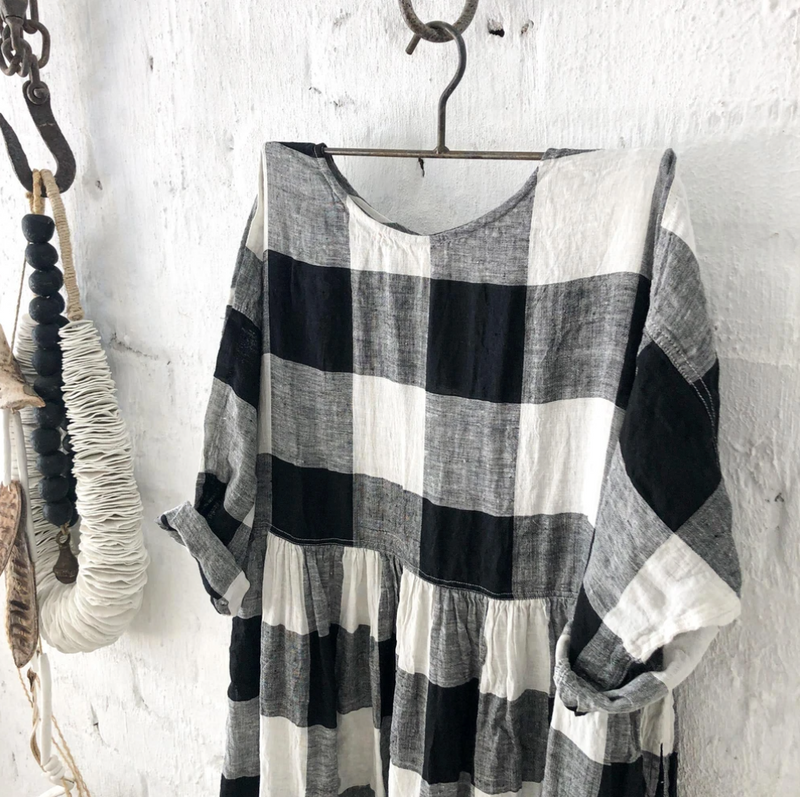 Sarah Linen Dress - Black & White Square