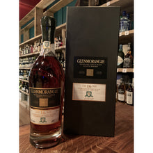 Load image into Gallery viewer, Glenmorangie Whisky - 16 Year Old - Single Cask - 400 Years of Golf in Dornoch - Bottle 362/504