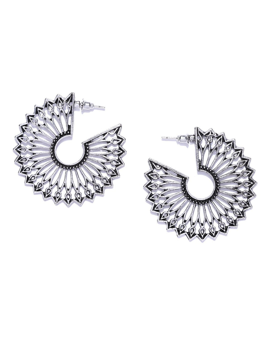 Blueberry silver color cut off deatiling drop earring