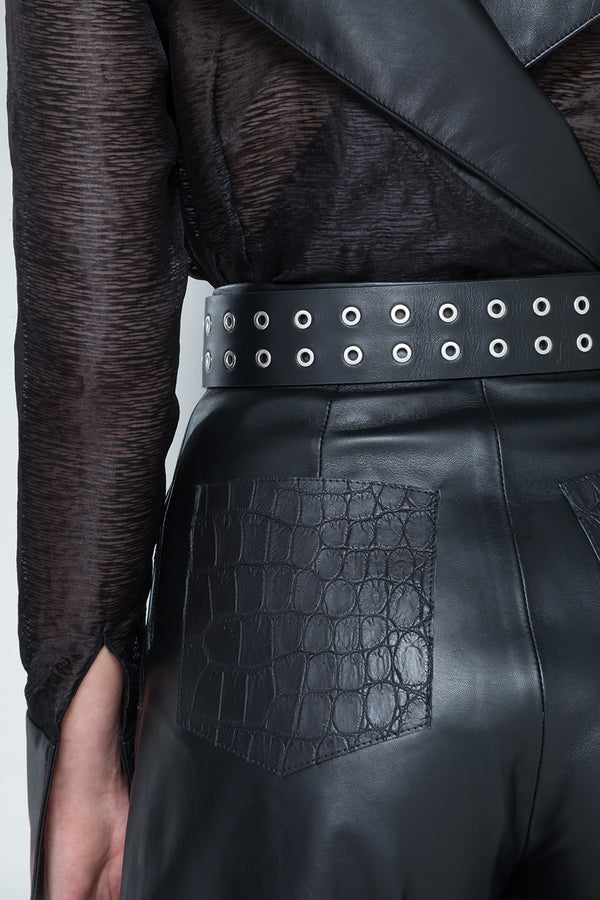 black leather shorts with back pockets in alligator