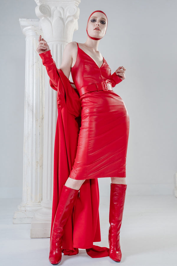 Psyche stretch red leather dress below the knee with V-neck and straps