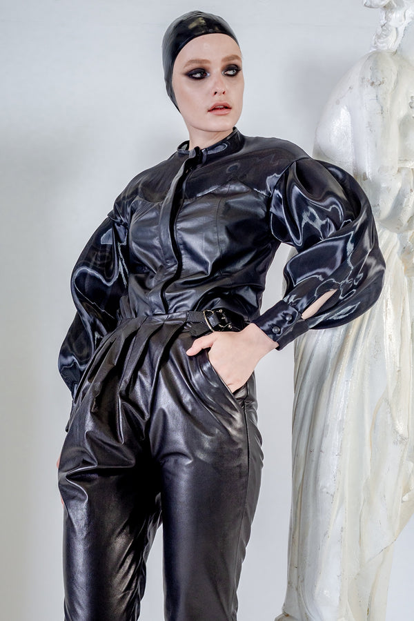 Aura blouse in black thin leather