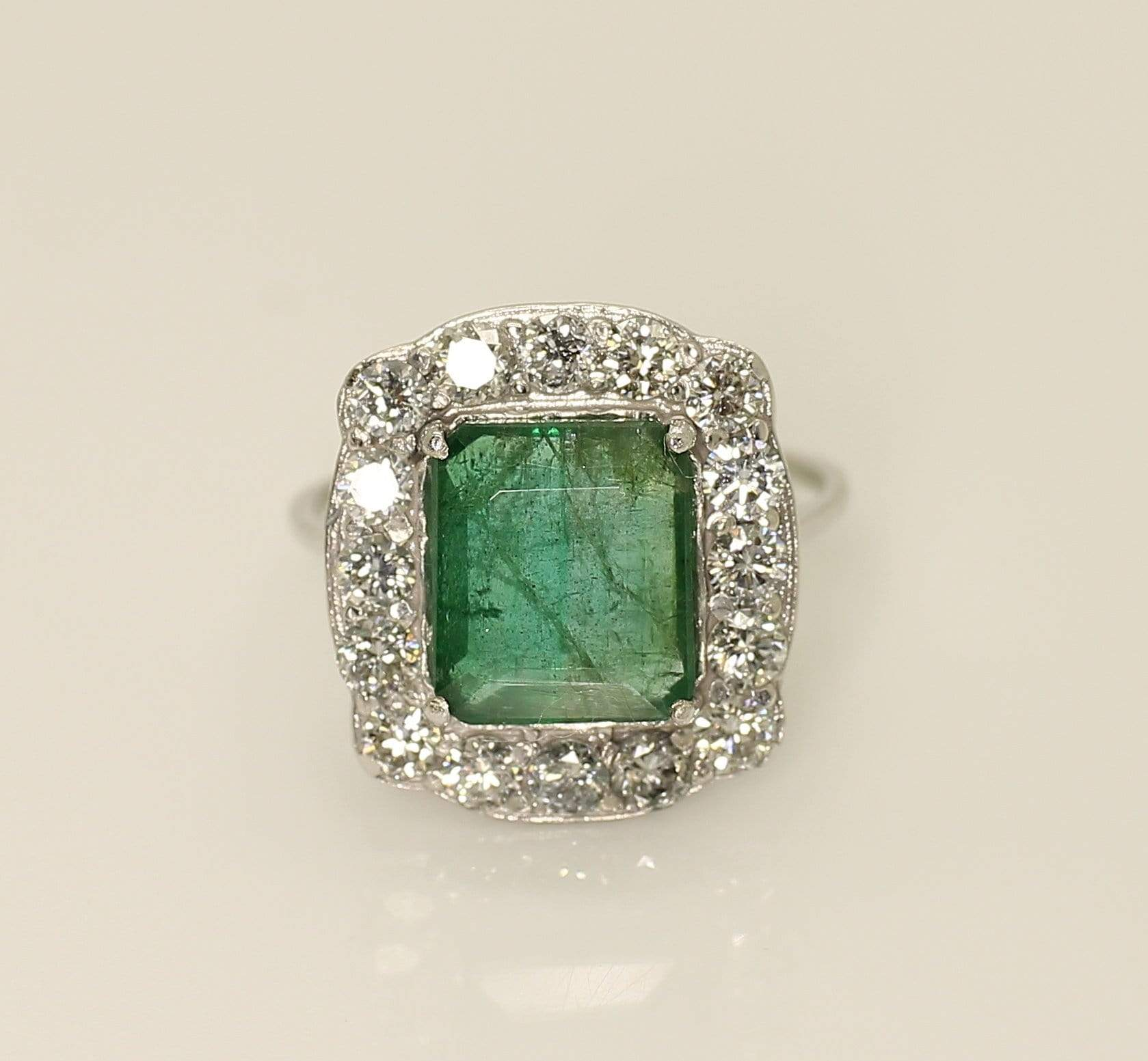 14K White Gold AIG Certified Emerald 2.10ct Diamond 0,96ct Ring - Aquagems.eu