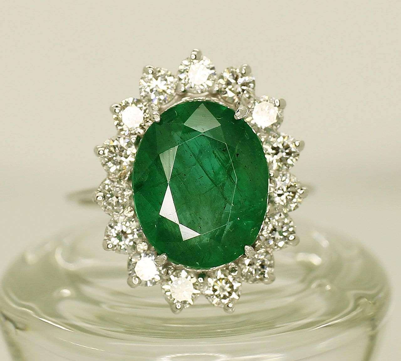 14K White Gold AIG Certified Emerald 4.72ct Diamond 0.37ct Ring - Aquagems.eu