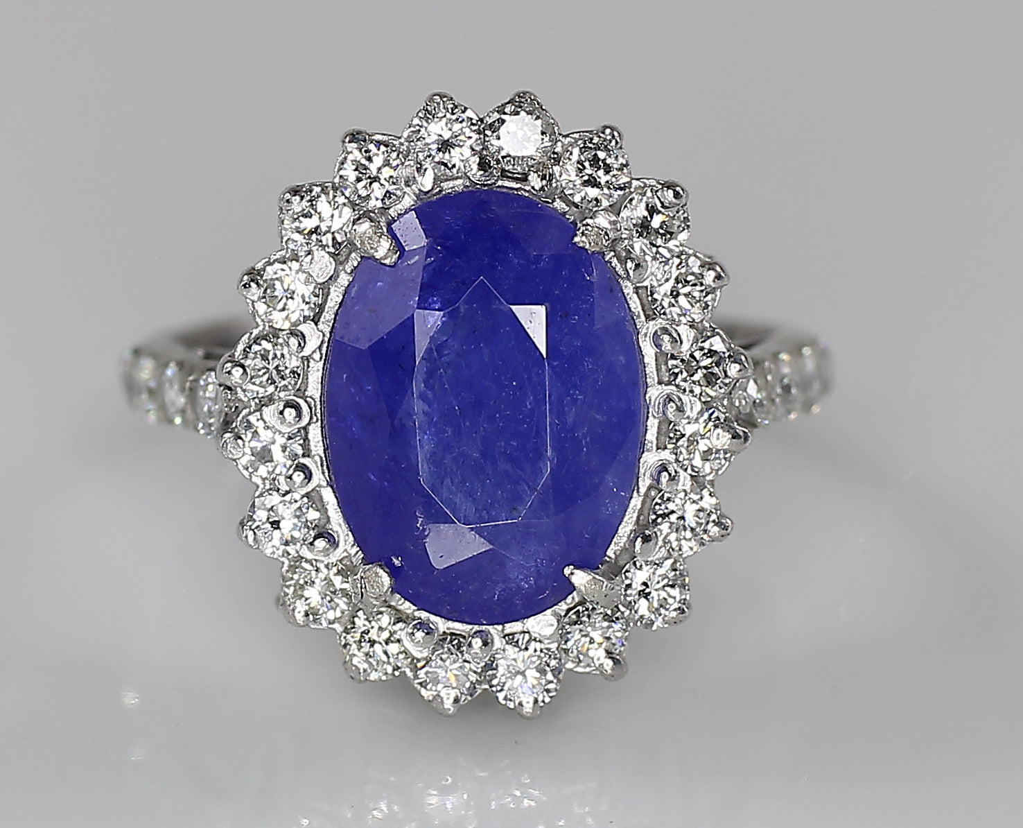 AIG Certified Natural Tanzanite 3.60ct White Gold Diamond 0.50ct Ring
