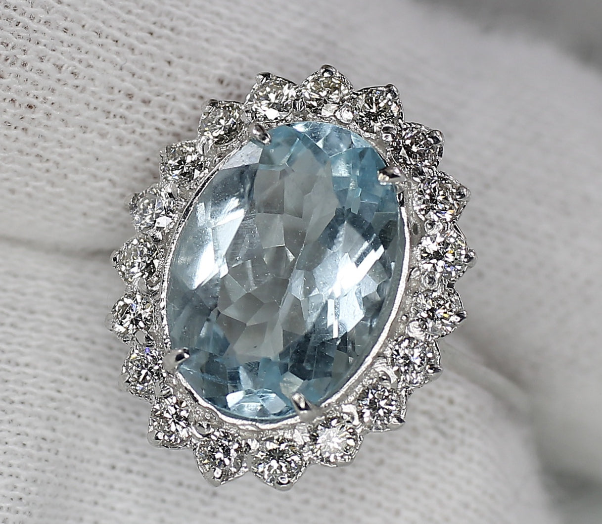 AIG Certified Madagascar Aquamarine 2.66ct & Diamond 1.00ct White Gold Ring