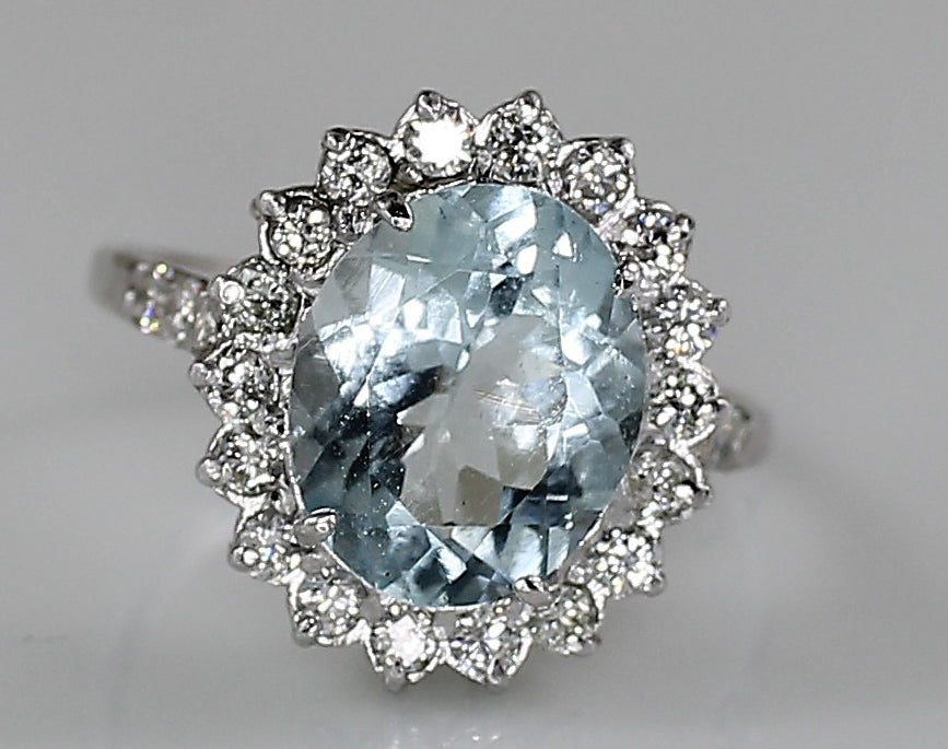 Madagascar Aquamarine 2.95ct & Diamond 1,44ct White Gold AIG Certified Ring