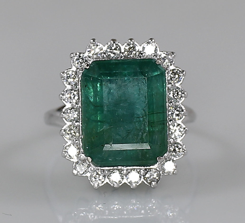 AIG Certified Natural Zambian Emerald 7.97ct Diamond 1.20ct Ring White Gold Ring