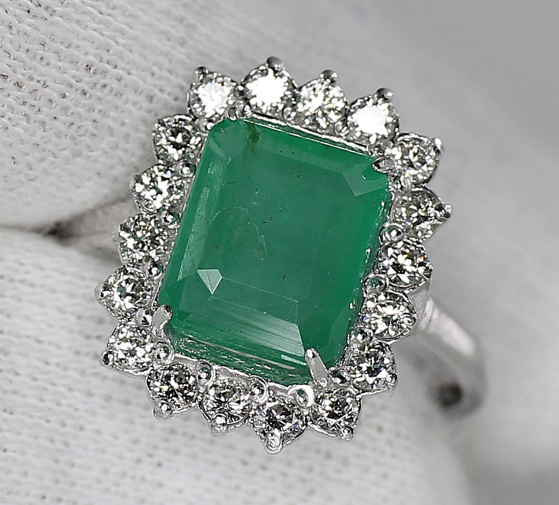 AIG Certified Natural Zambian Emerald 2.55ct Diamond 0.95ct Ring White Gold Ring