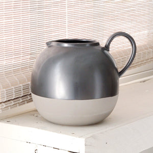 Two-tone grey round jug
