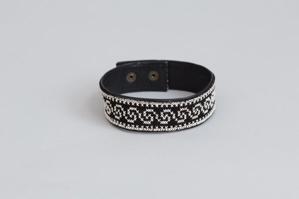 The Tatreez Leather Choker