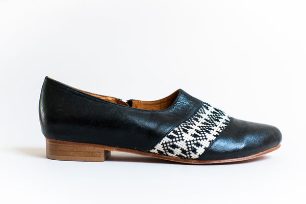 The Tatreez Oxford in Black