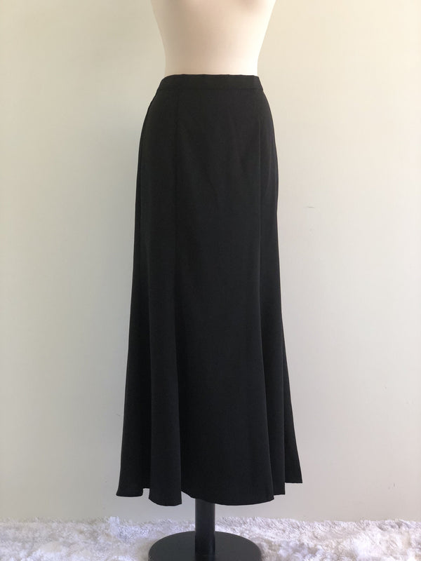 Zira Flared Skirt in Basic Black