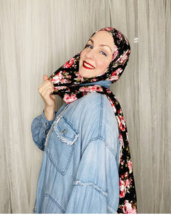 Limited Edition Printed Jersey Hijab: Vintage Winter Roses