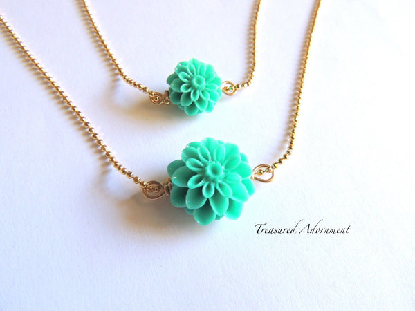 Green Mum Flower Mommy and Me Necklace Set
